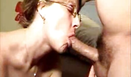 Cliente azotes con masajista de ojos pormo en español estrechos