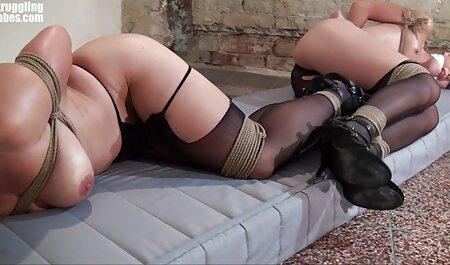 Obtiene el porno español su coño peludo